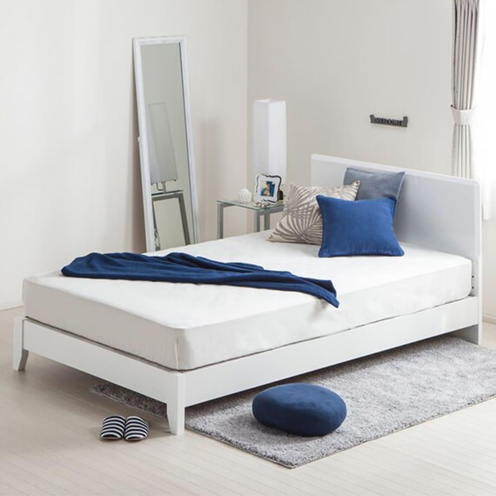 【ニトリ】 セミダブルフレーム メリッサ3−S(すのこ床板) H85 WH LEG ホワイト ※マットレス別売※:フラットなヘッドボードは壁にもぴったり付けられる直角型。