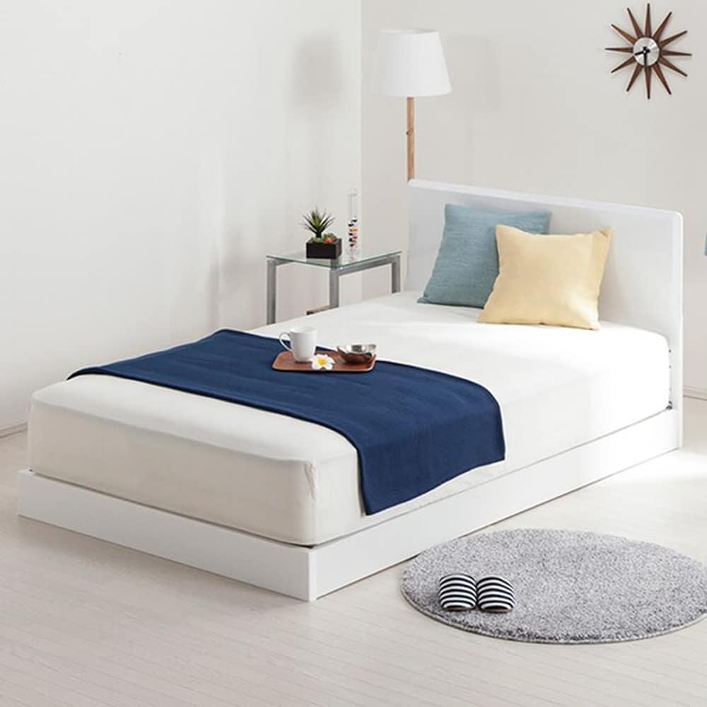 【ニトリ】 セミダブルフレーム メリッサ3−S(すのこ床板) H85 WH LOW ホワイト ※マットレス別売※:フラットなヘッドボードは壁にもぴったり付けられる直角型。
