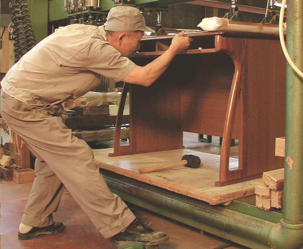 小島工芸 書棚 アコード105L(ウォールモカ):安心の国産商品