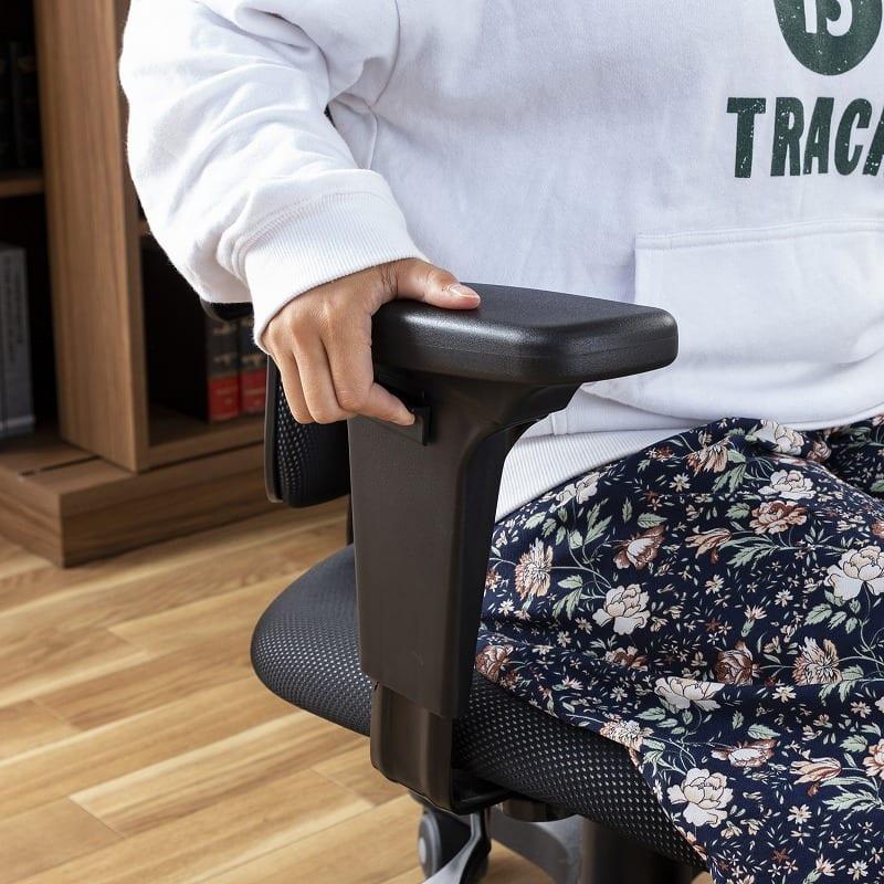 デスクチェア デュオレスト DR−7575SP(合皮ブラック):アームレスト(肘掛け)上下調節