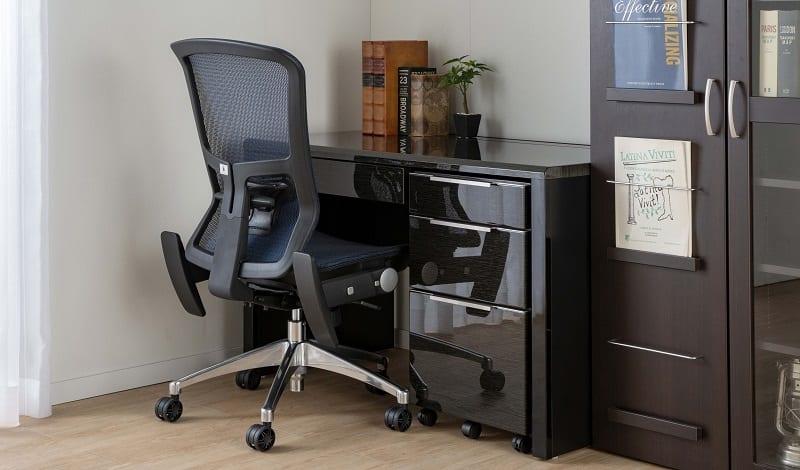 デスク グレイン120×45(WH):クールなデザインが人気の鏡面デスク
