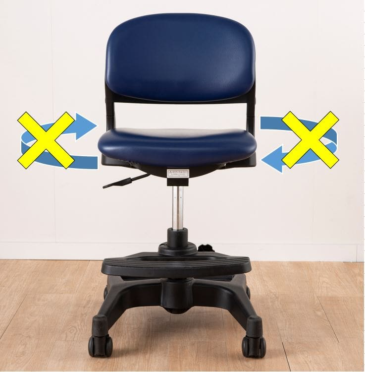 座面が回転しないので落ち着いて机に向かえます