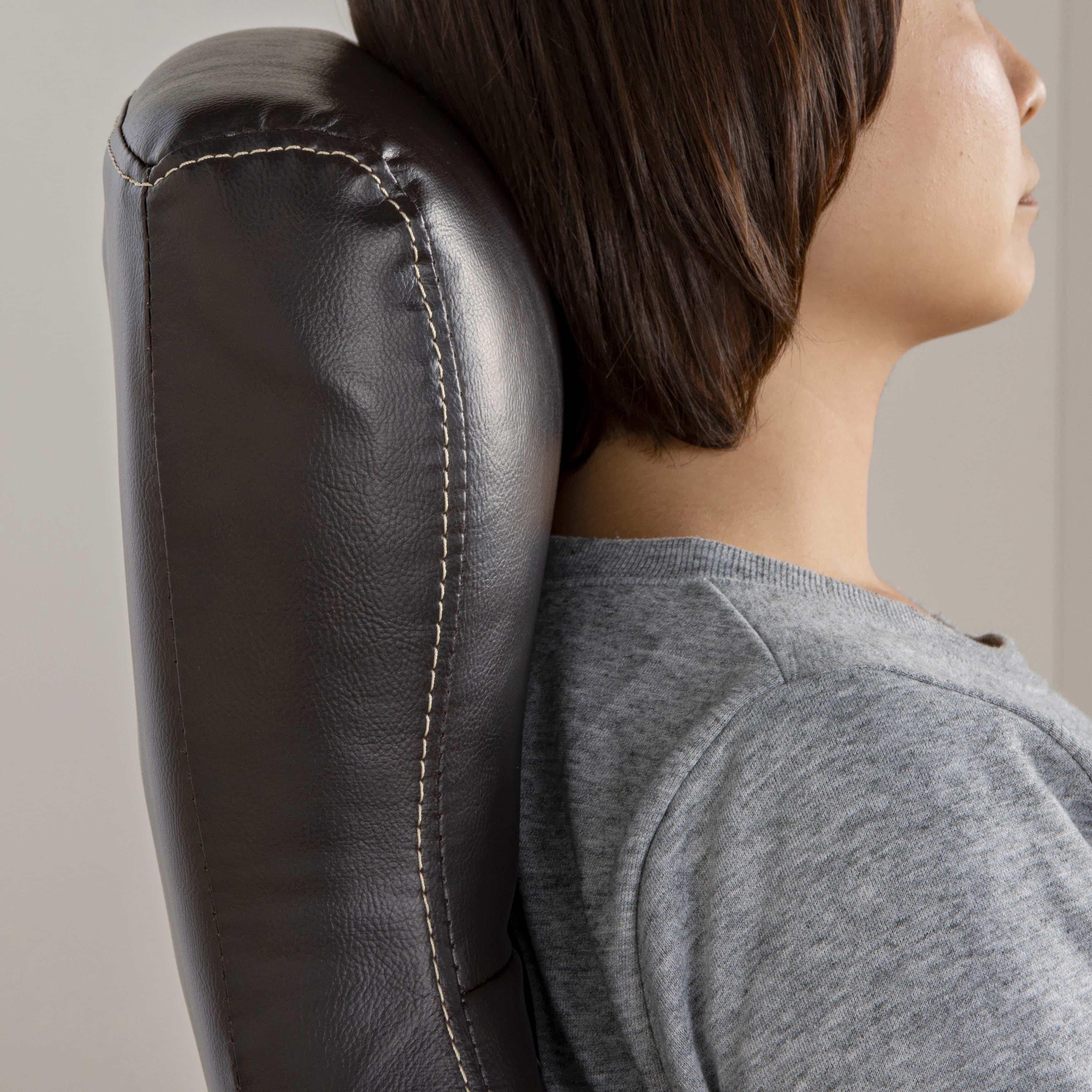 デスクチェア ソレード BK:首まで収まるハイバックデザイン