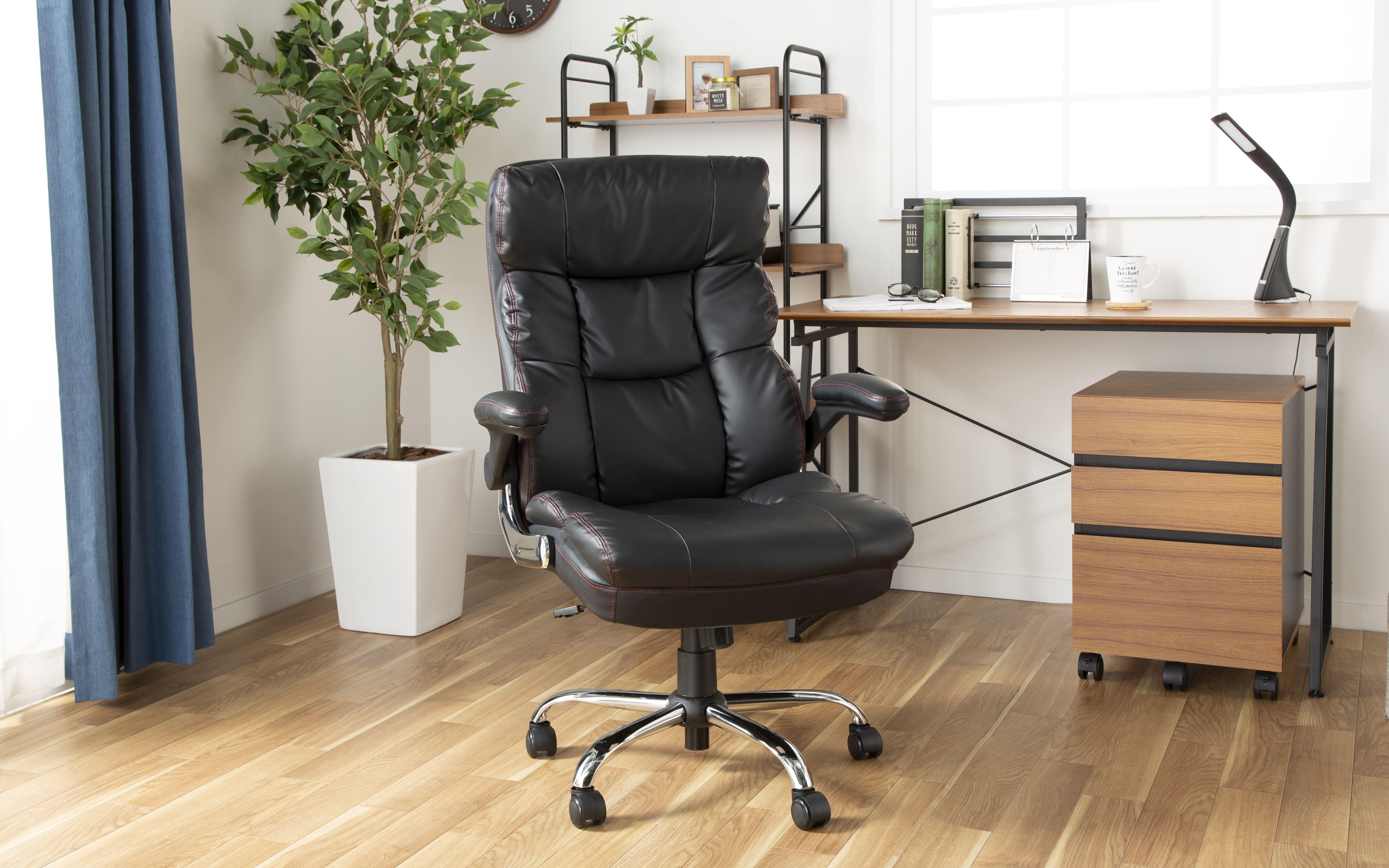 ゆったり座れるマネージャーチェア ブラウン BMC−BR ブラウン:沈み込むボリューム感