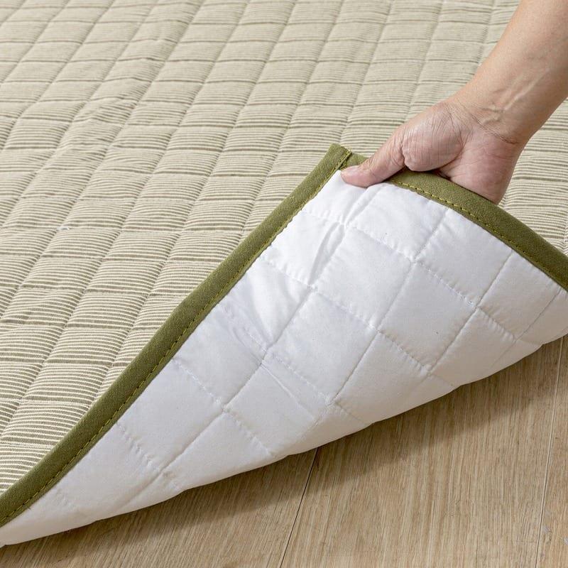 防ダニラグ ヒッコリー 185×185 ネイビー:裏面は床に優しい不織布貼り