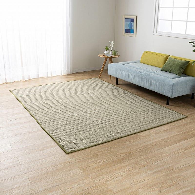 防ダニラグ ヒッコリー 185×185 グリーン:どんなお部屋にも合わせやすいデザイン