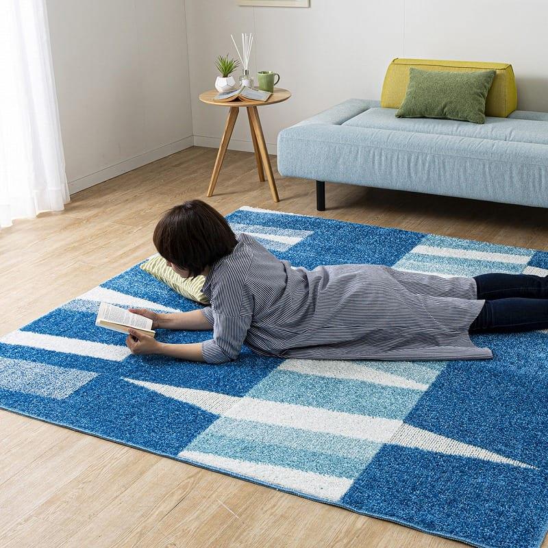 ひんやりラグ カレント130X190ブルー:夏、お部屋で過ごすのが快適に♪