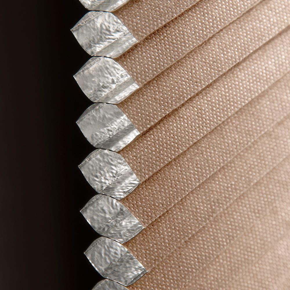 ハニカムシェード彩遮光 プレミアム 40x135cmBE:ハニカムプリーツシェード彩遮光