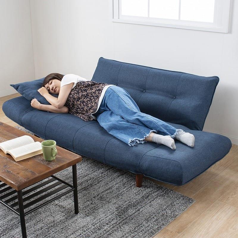 :簡易ベッドにも変形
