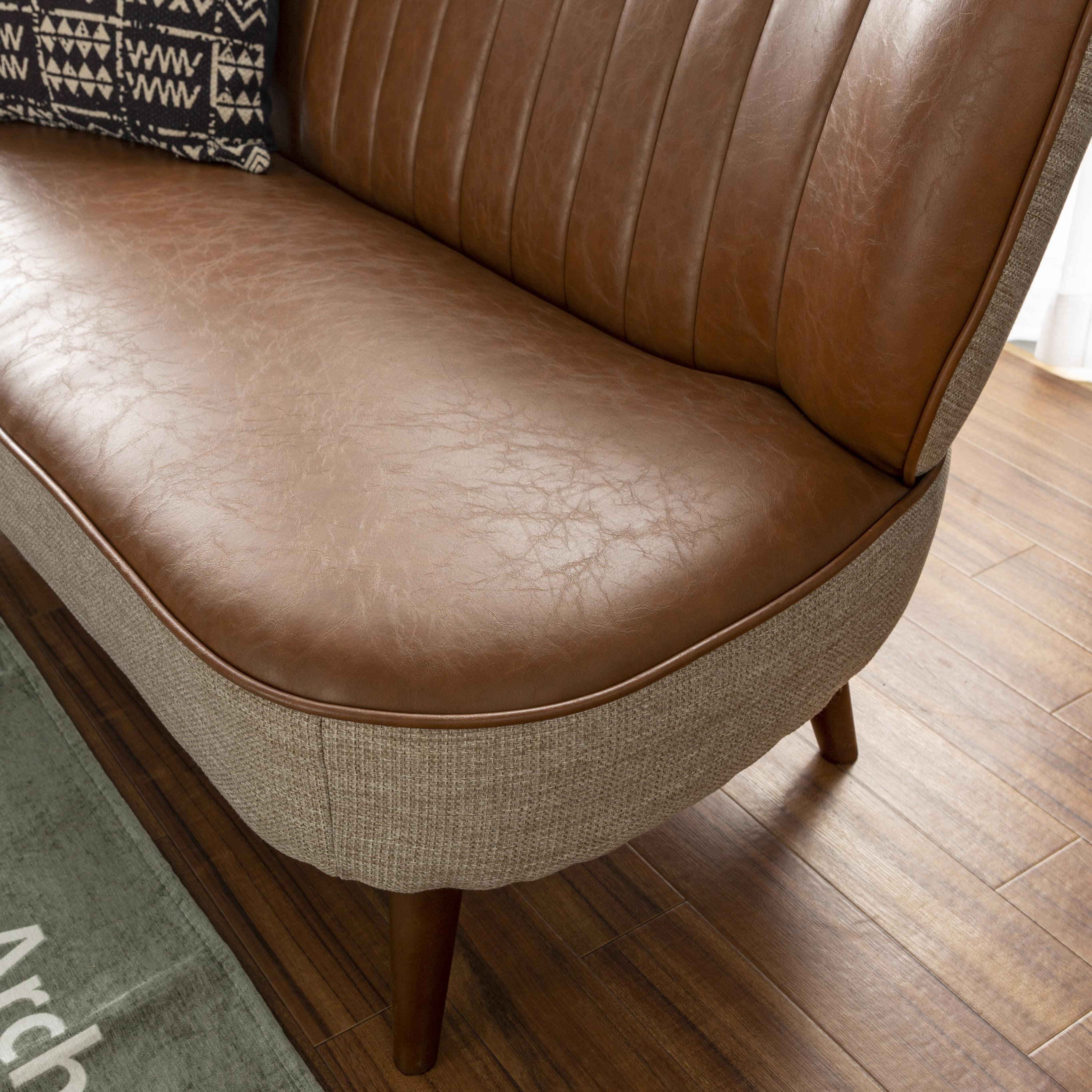 1人掛けソファー サファリ2(ダークブラウン):丸みのデザインが可愛らしさをプラス
