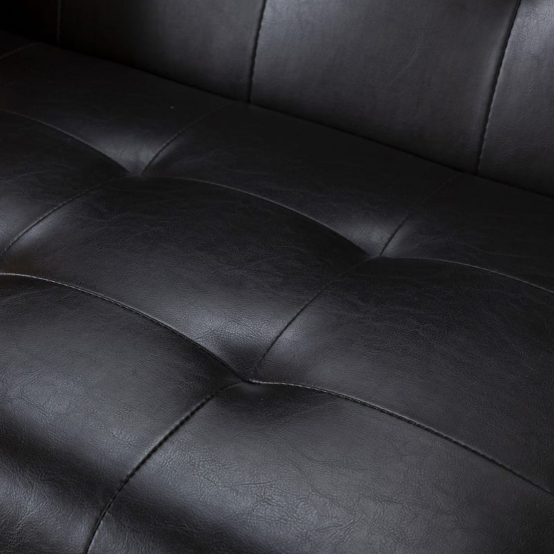 :高級感のあるバイキャスト加工済み合成皮革を使用
