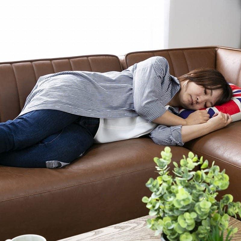 2人掛けソファー モーゼス�U 肘付き キャメル:ごろ寝もできるサイズ感★