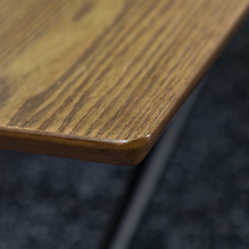 昇降テーブル バウム ブラウン:角には丸みをつけ安全に配慮