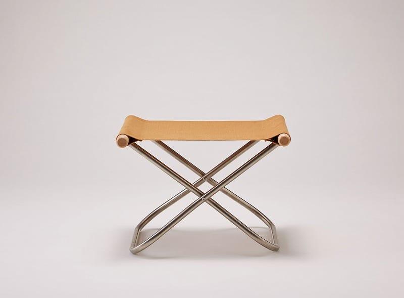 ニーチェアXオットマンNA/CA:《畳一畳のスペースで、身体を支えて包み込む「ニーチェア」》