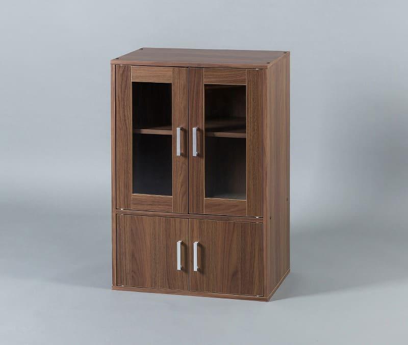 ガラスキャビネット GKN−9060 WO:《シンプルなデザインで、どのお部屋の雰囲気にも合うガラスキャビネット》