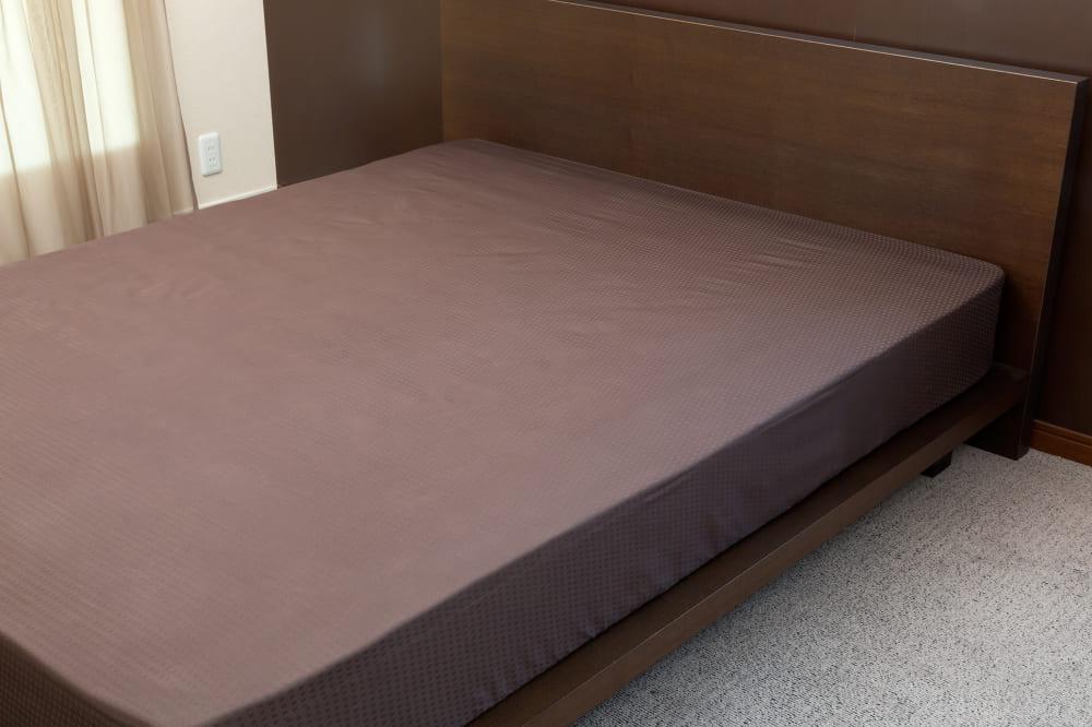 クレモナ(ビターブラウン)ベッドシーツQ:綿100%で安心