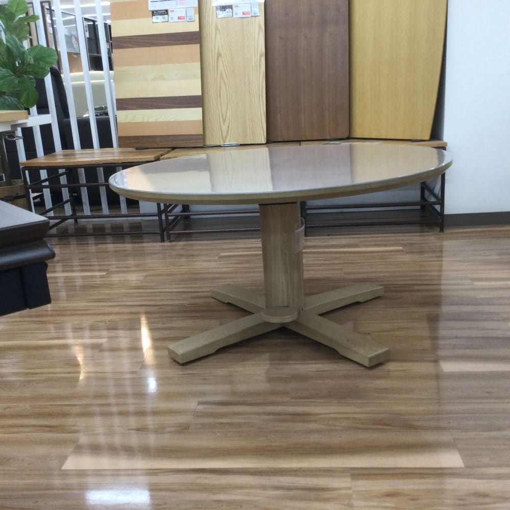 【茅ヶ崎店 展示特価品】 昇降テーブル ゲスト(PSマット付き)