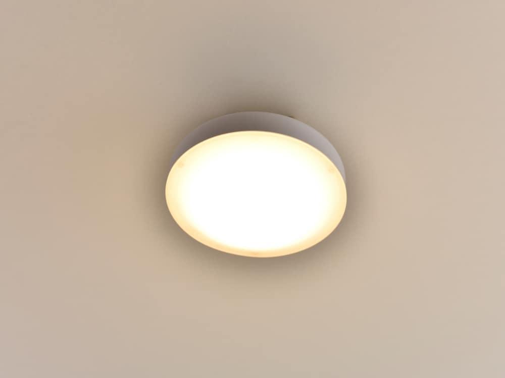 LEDミニシーリング MLC−040L:工事不要ワンタッチ取り付け トイレ・廊下などに適した小型タイプ