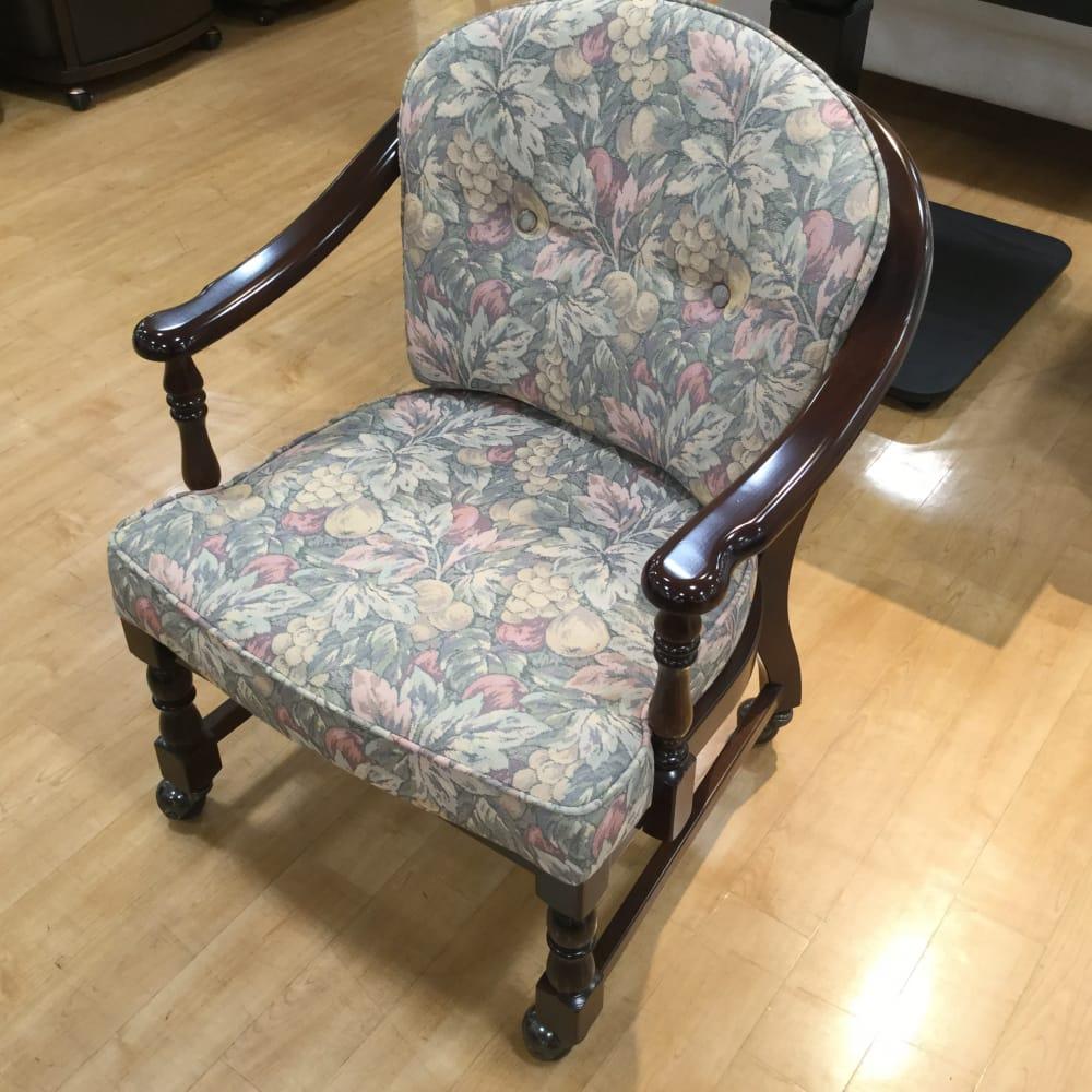 【草加舎人店 展示特価品】 肘付椅子 コロニアルWC0330GK